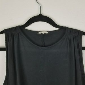 Madewell Tops - Madewell black gathered shoulder tank top small